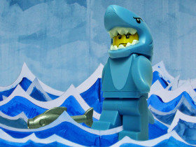 Les-enfoires-lego-goldman-requin